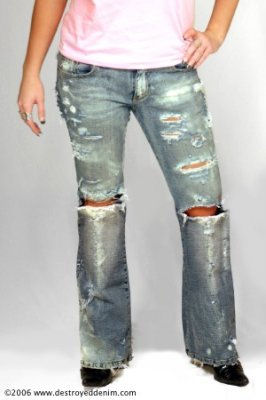 http://scottstem.files.wordpress.com/2009/10/torn-jeans-2.jpg